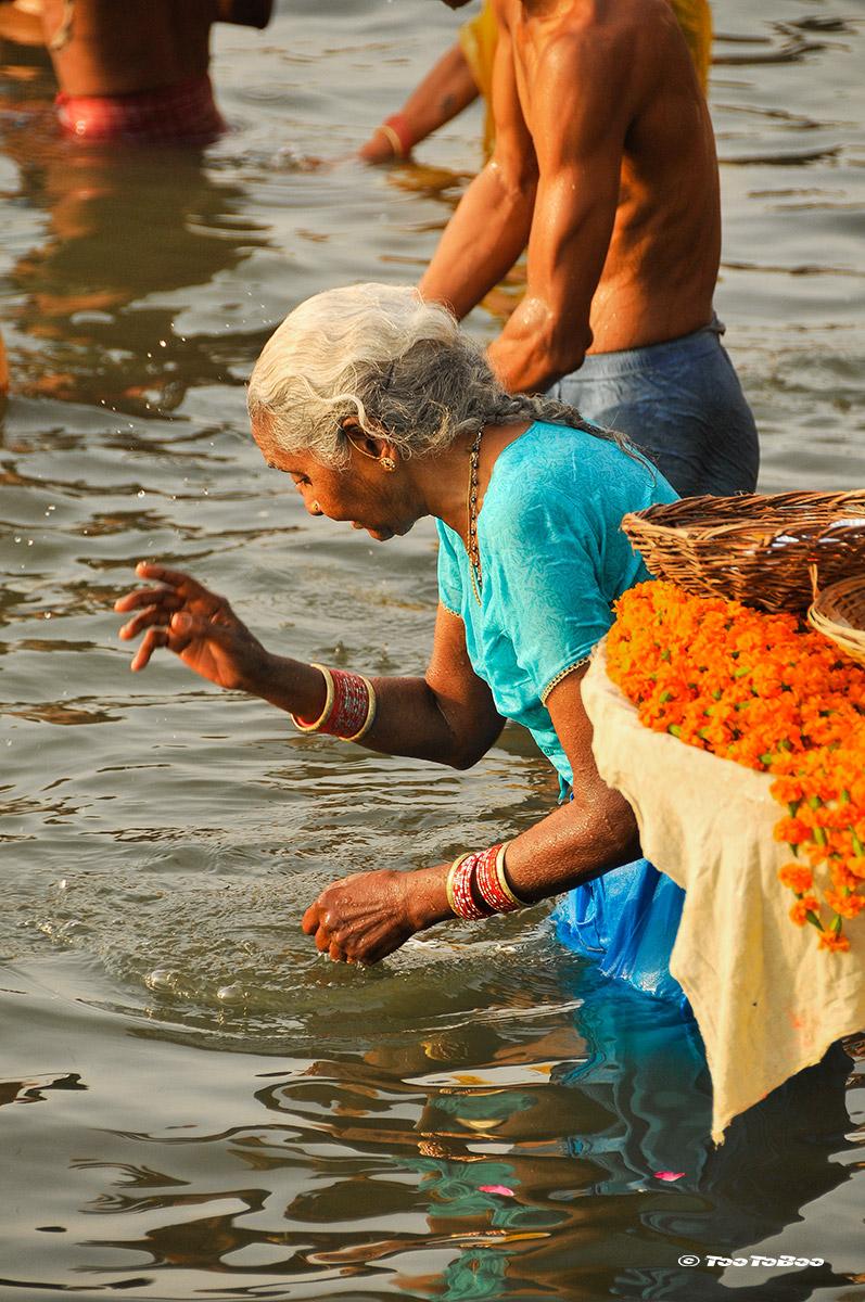 Ablutions dans le Ganges