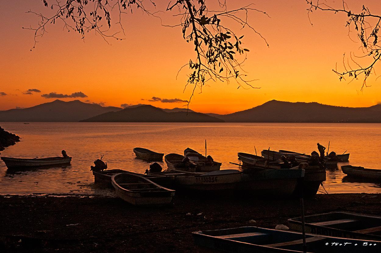 Kwasa-Kwasa au coucher du soleil-Mayotte