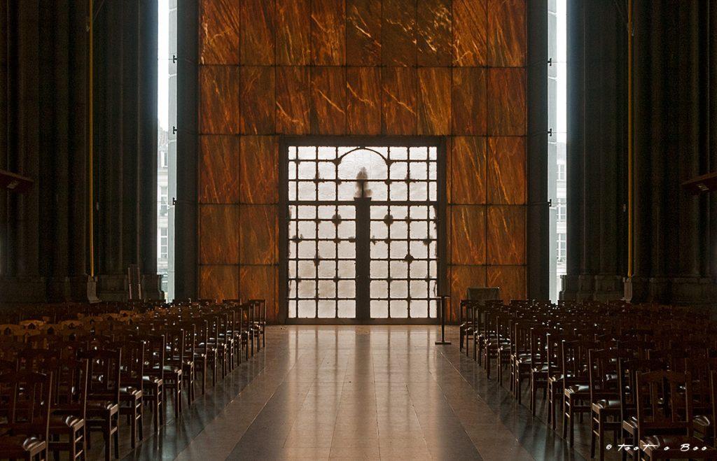 Porte Ouest Intérieur de Notre Dame de la Treille