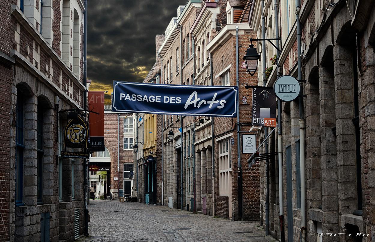 Ruelle du vieux Lille sous un ciel menaçant
